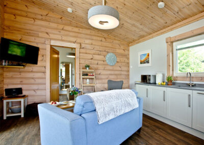 The open plan living area & kitchen at Broadpath, Great Field Lodges, Braunton
