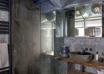 The bathroom @ Moon Shadow, St Ives